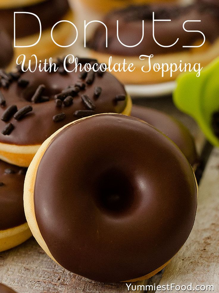 Donuts With Chocolate Topping - Very easy, fantastic, quick, perfectly soft and their smell and taste are incredible, donuts with chocolate topping!