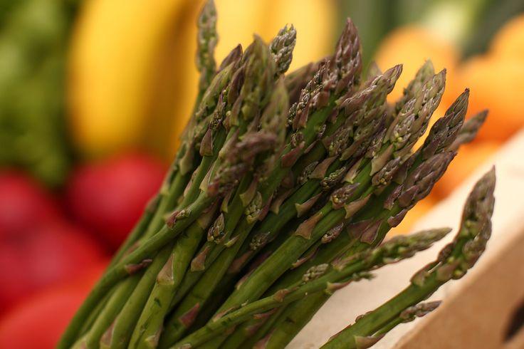 Los #espárragos, fibra para la #primavera http://kcy.me/2228z  ¡Rico, sano y para toda la familia! #alimentos