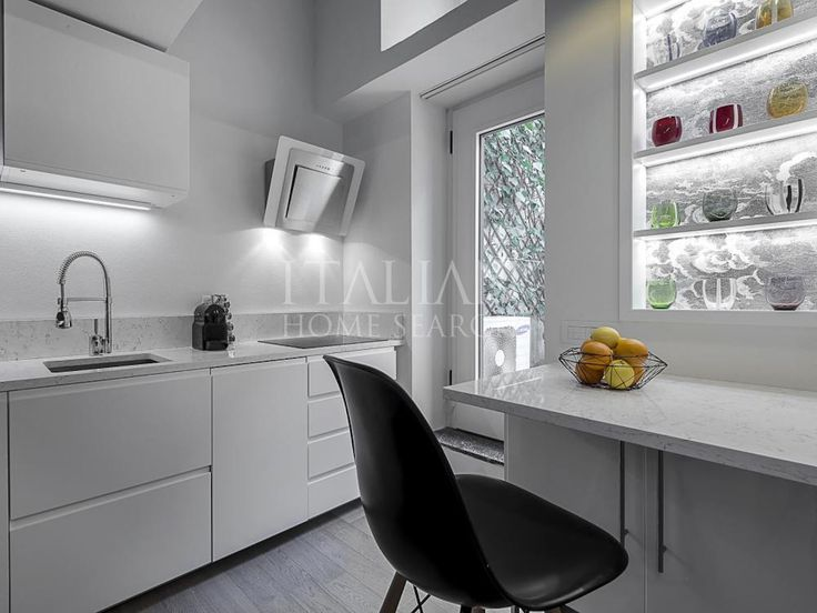 Apartment for sale in Milan, Lombardy.