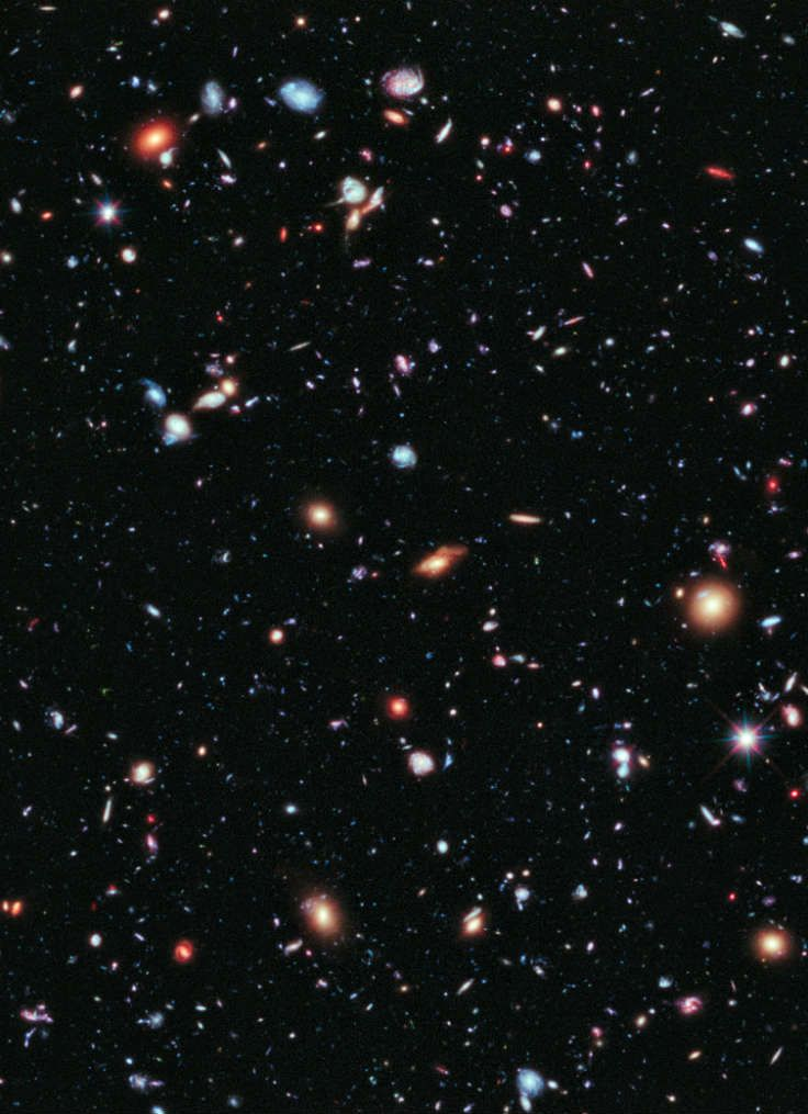 5,500 galaxies of Hubble eXtreme Deep Field – smallest red dots 13,000,000,000 light years away