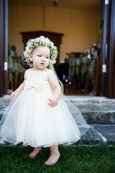Could it be more perfect? Our headpiece designed for this flower girl!