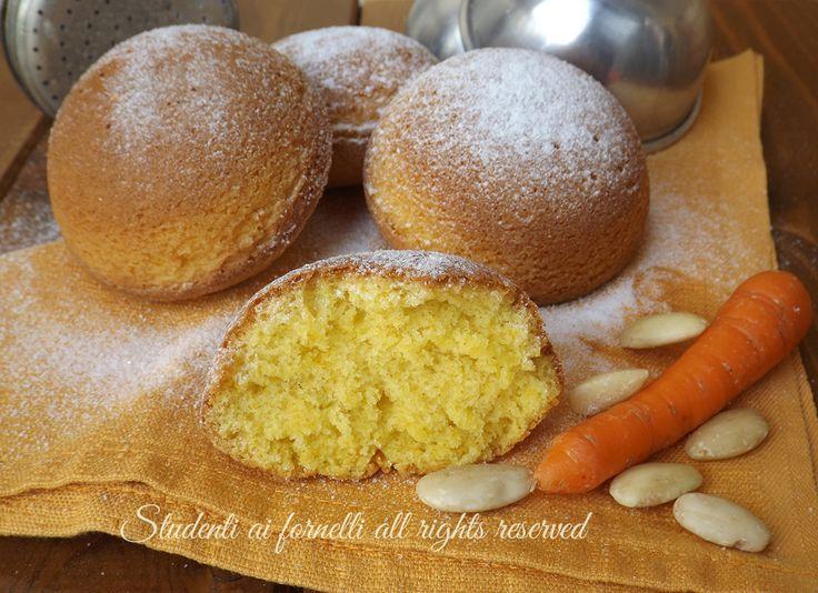 Tortine alle carote con mandorle e arancia, ricetta facile e veloce. Merendine goloso alle carote e succo d'arancia, per merenda e colazione.