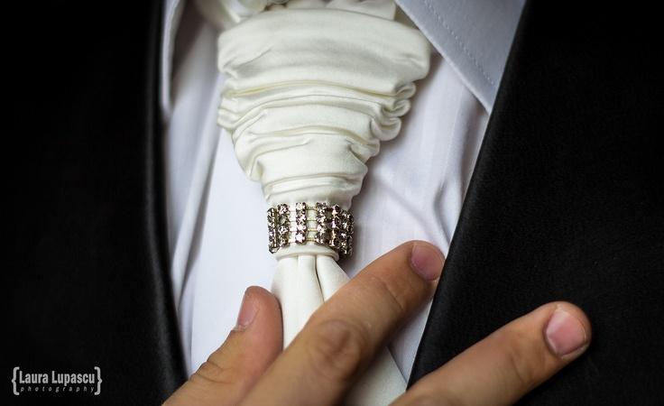 Wedding Lucia & Marius. Groom getting ready. Tie