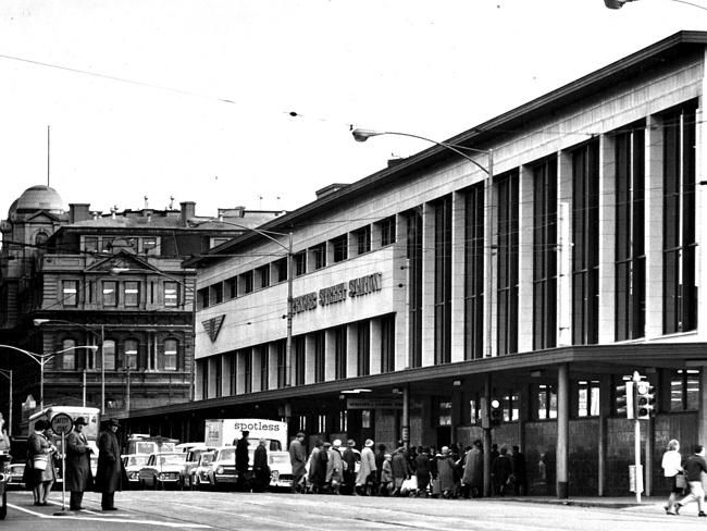Victoria, Australia 1960s: 1965: Commuters at Spencer St Station. Picture: Herald Sun Image Library.