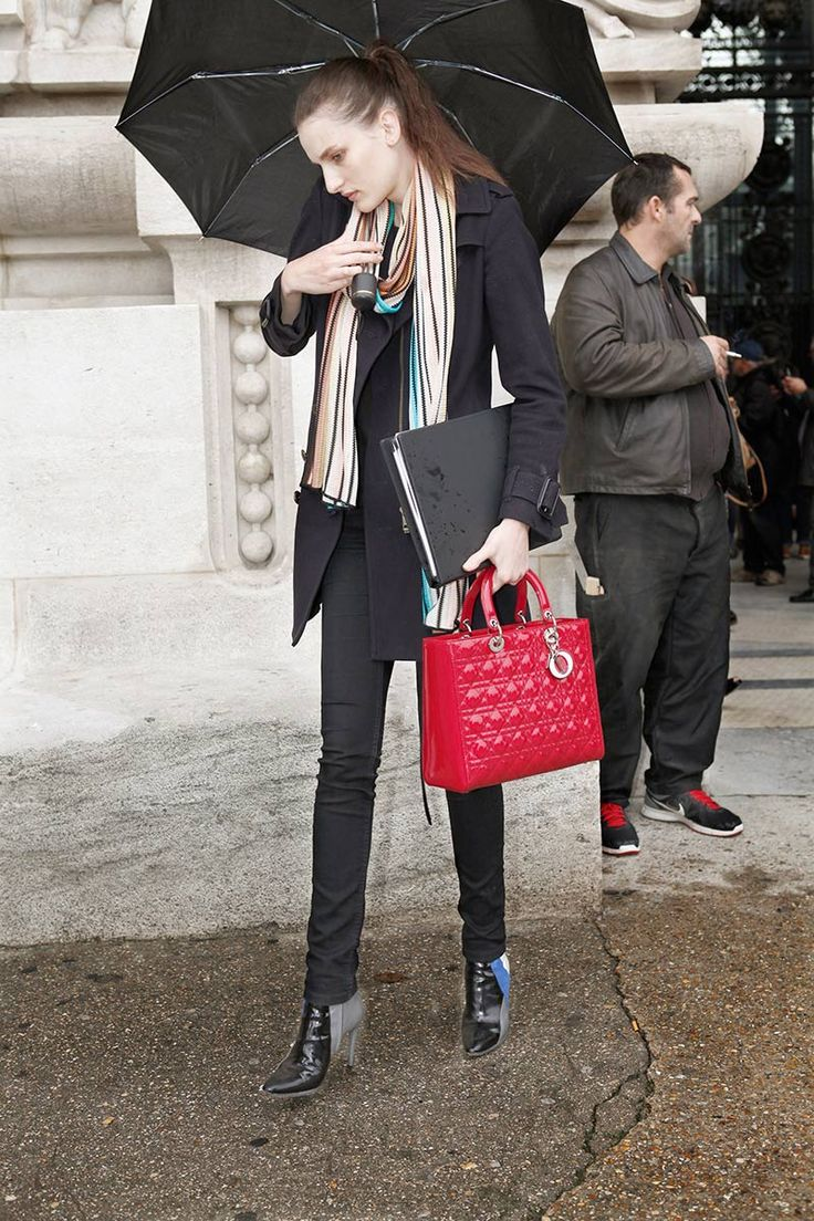 Models off duty...lovely lady Dior