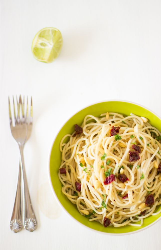 This Lemon Garlic Spaghetti with Sundried Tomatoes is bursting and loaded with fresh and juicy flavors and textures thanks to the citruses, tomatoes, herbs and pine nuts. This makes a delicious and easy vegan side or main dish to prepare for your entire family!