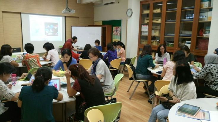 45 preschool teachers participating in Moses Sia's TinyTap workshop in Singapore - eager to learn, actively participating, creative and ever ready with ideas of how they  could use TInyTap with their students.