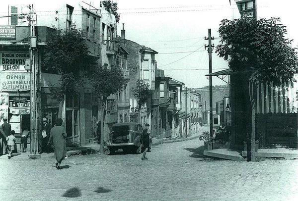 Ah Kadıköy sokakları! (1940lar) #istanlook #nostalji #birzamanlar