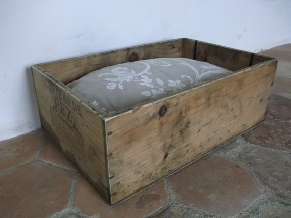 I love this vintage french crate turned dog bed. so coolDogs Beds, Wood Working Scrap, Crafts Ideas, French Bulldogs, French Crates, Pets, Working Scrap Wood Diy, Crates Turn, Canine Style