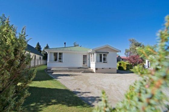 27 Amuri Avenue, Hanmer Springs in Hanmer Springs, Hurunui District | Bookabach