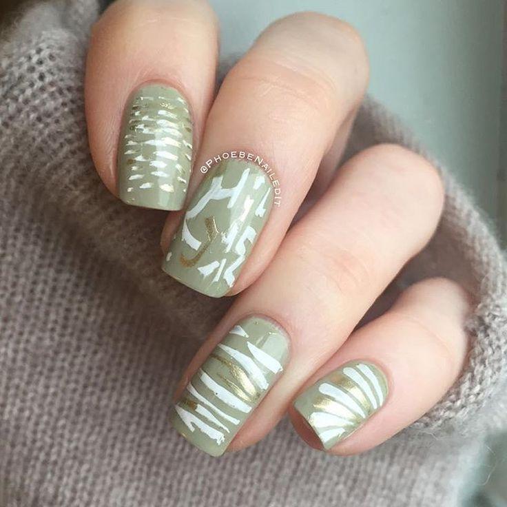 Fall is here and I LOVE it!  Yeyyyy Thank you @phoebenailedit for this gorgeous design  #apharsec #fashion #nails #nail #nailart ##nailpolish #asos #nails2inspire #nails4yummies #ilovenails #instagood #instanails #share #nailstamping #nailporn #nailswag #hairandmakeup #nailsart #art #manicure #style #picoftheday #cute