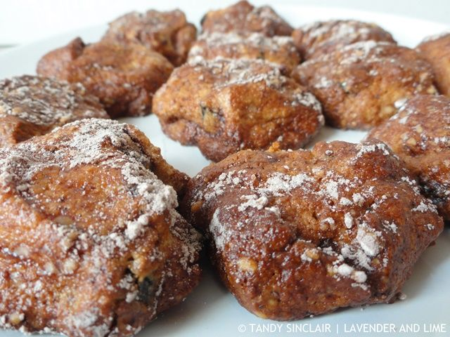 Cocoa Dusted Amaretti Biscuits