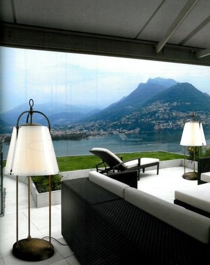 Lampade da esterno illuminazione - Sofisticate lampade da giardino posizionate a terra.