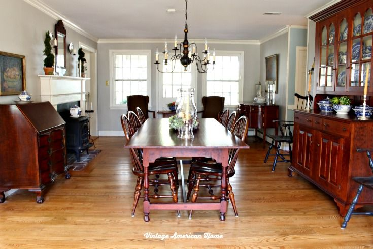 Paint color for my dining room more dining room paint for Traditional dining room color ideas