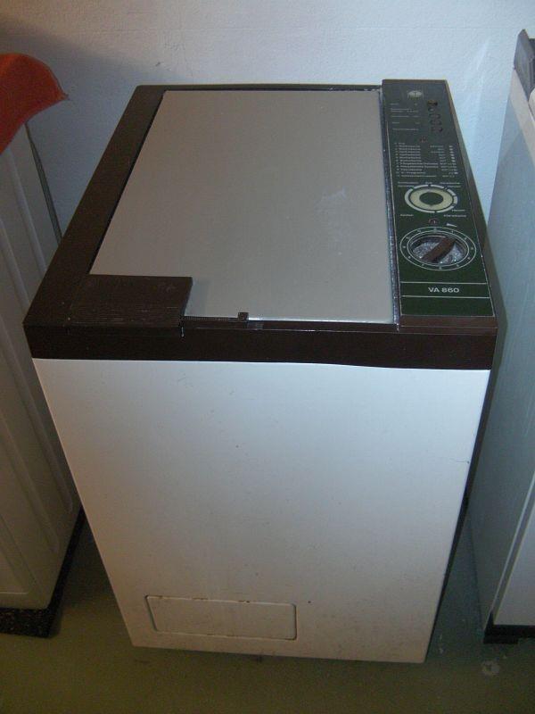 my first washing machine. Mine had no spin dry so I needed an extra spin dryer  meine Ma sich lange erspart, der erste Waschautomat