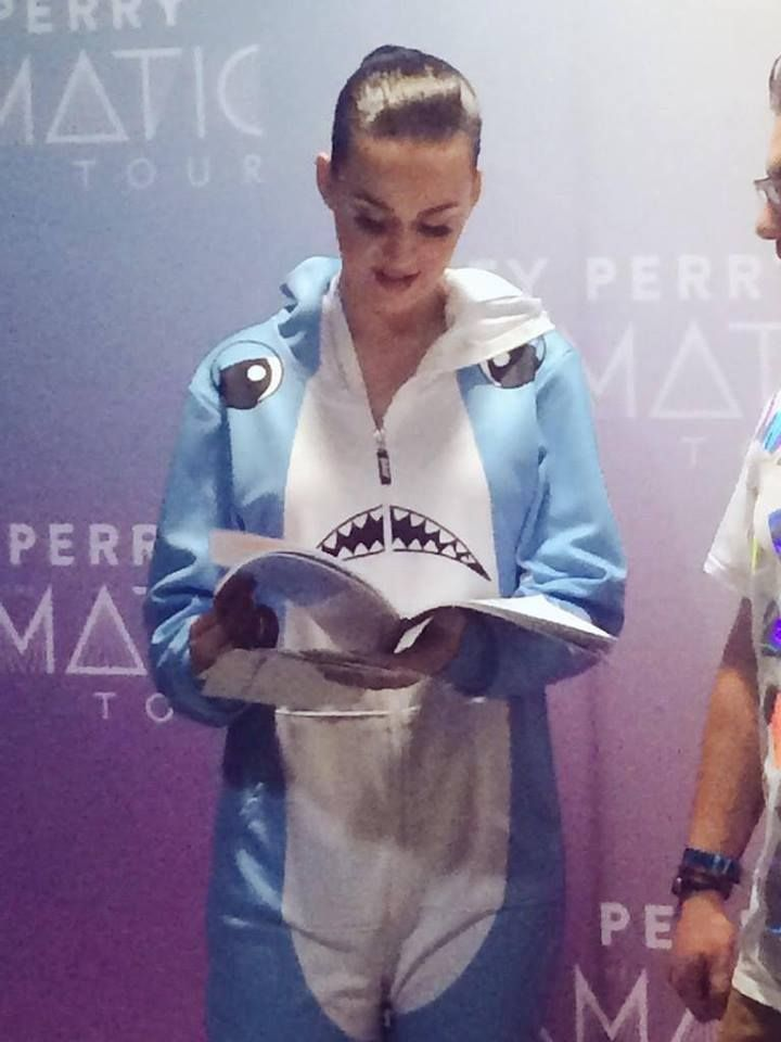 Katy perry reads playboy to get in the mood for a shake herself down with