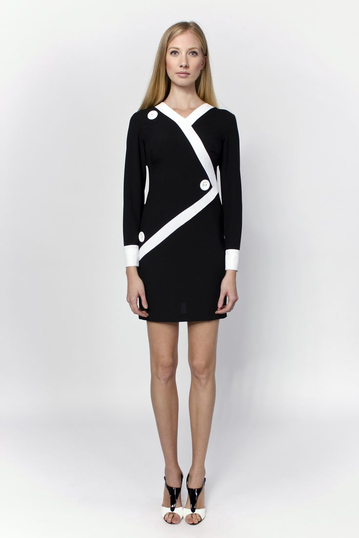 Have an elegant but casual look! This dress has the classical combination of black and white and the sassy spirit of the unusual division of the modern age.