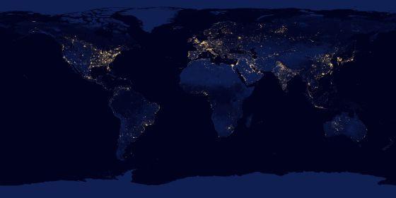 Todo el planeta Tierra, de noche: imagen de la tierra formada por múltiples fotografías hechas sin nubes y con una cámara infrarroja a bordo del satélite Suomi NPP