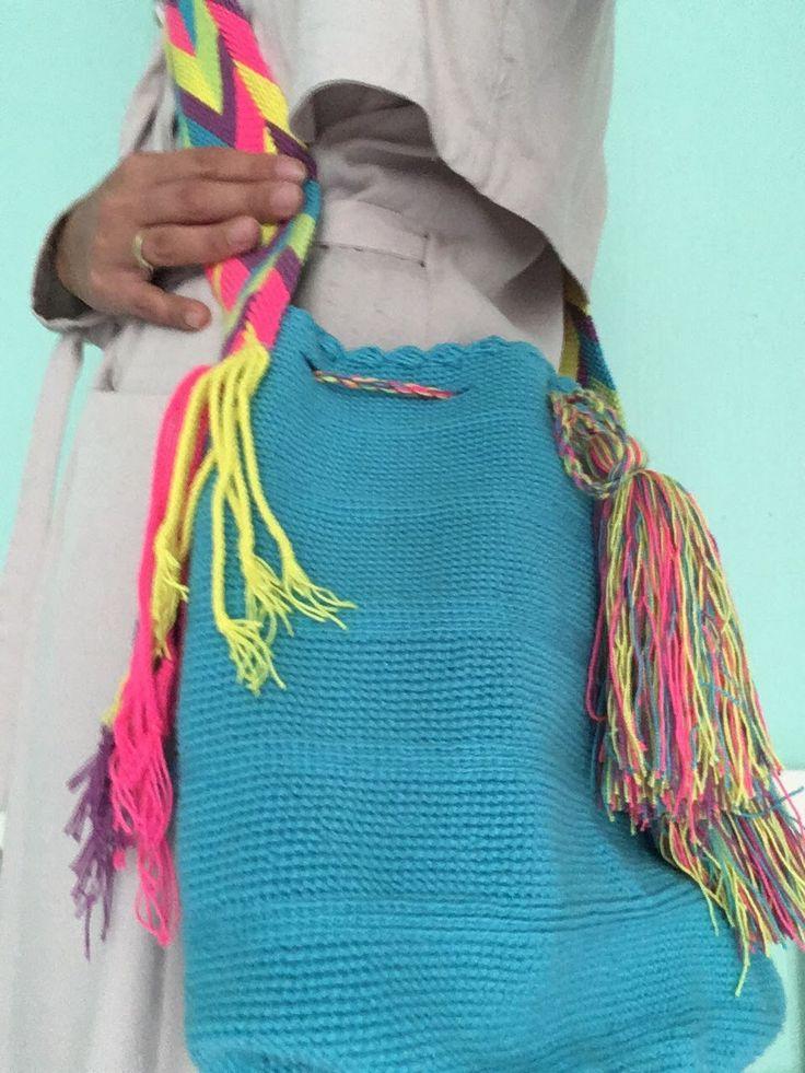 Turquoise Mochila #schoudertas #Colombia #Wayuu #fairtrade www.hippybag.nl