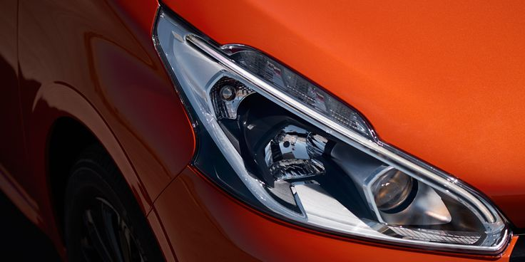 At the front, high-tech headlamps create a sharper, sleeker front face with excellent visibility,