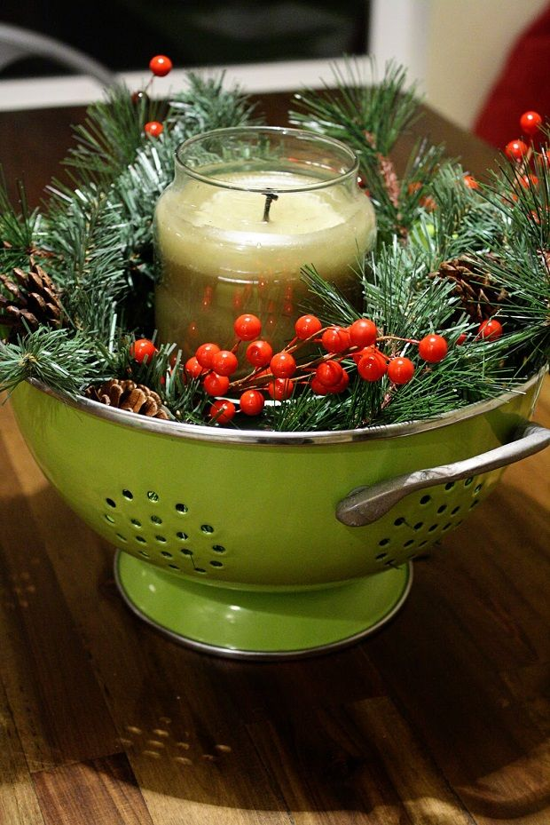 Eye-Catching DIY Christmas Centerpieces......seriously? Love it - I have a red strainer