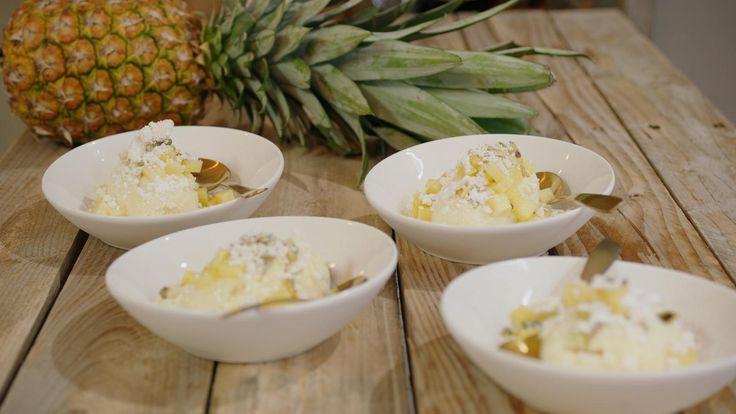Witte chocolademousse met ananas en eiwitschuimpjes   Dagelijkse kost