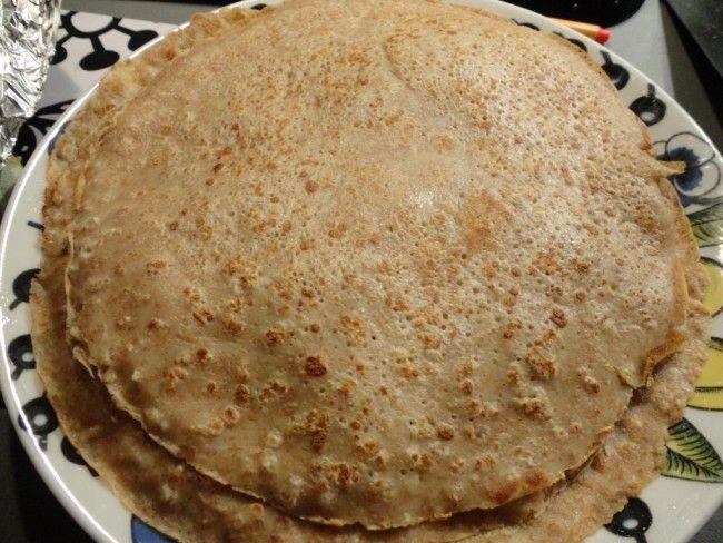 Recept: Healthier pannkakor  Dinkelpannkakor (10 st)   3 ägg 6 dl mjölk 3 dl dinkel fullkornsmjöl+1 dl fiberhavregryn (detta kan man självklart byta ut till det mjöl och ev. det gryn man har hemma) 1/2 tsk salt smör att steka i