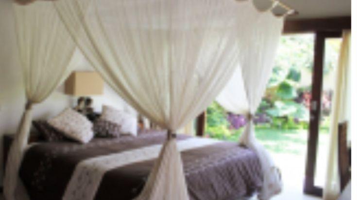 "bali-villa-arrange on Twitter: ""Stunning 3 bedroom villa with large garden / pool in heart of Seminyak, From 250 USD / night https://t.co/NyCynalyF5… """