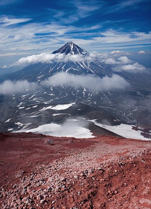 geology is incredible.Colours Kamchatka, 35Photo Денис, Beautiful Earth, Koryak Volcano, Beautiful Places, Beautiful Planetnatur, Places Nature, Landscapes Photography, Beautiful Things