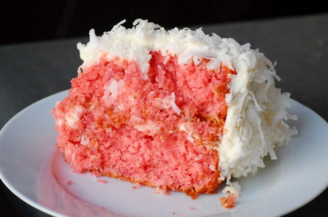 Oh SO Delicioso!: Strawberry Coconut Cake
