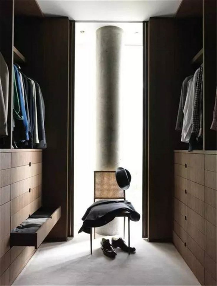 Executive walk-in closet for your master bedroom www.bocadolobo.com #bocadolobo #luxuryfurniture #exclusivedesign #interiodesign #designideas #walkinclosetideas #bedroomideas #walkinclosets