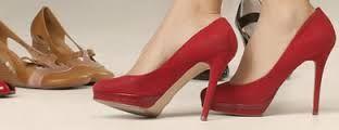 Zapatería de Señora y Caballero: La actividad que desarrolla este negocio es la venta al detalle de calzado, complementos y artículos de piel.