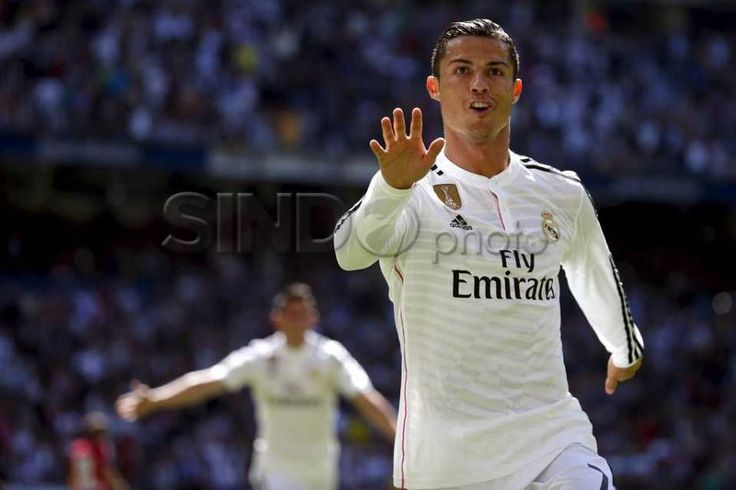 Selebrasi Lima Gol Ronaldo, Real Madrid Bantai Granada 9-1 http://sin.do/cTGm  http://photo.sindonews.com/view/11865/selebrasi-5-gol-ronaldo-real-madrid-bantai-granada-9-1