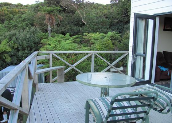 Parris Lodge in Stewart Island, Bach pour 120$ la nuit jusqu'à 6 personnes.