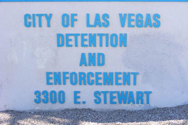 Las Vegas Jail Inmate Search - FREE and EASY to use City of Las Vegas Jail Inmate Searchtool. For faster searches or questions call 702-608-2245. Persons detained in the Las Vegasarea on Misdemeanor charges are most likely to be held in the City of Las Vegas Jail. Use ourfree City of Las Vegas Inmate Search tool to find your friend or loved one.