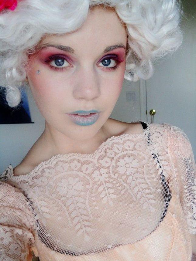 DIY an Effie Trinket costume this Halloween.