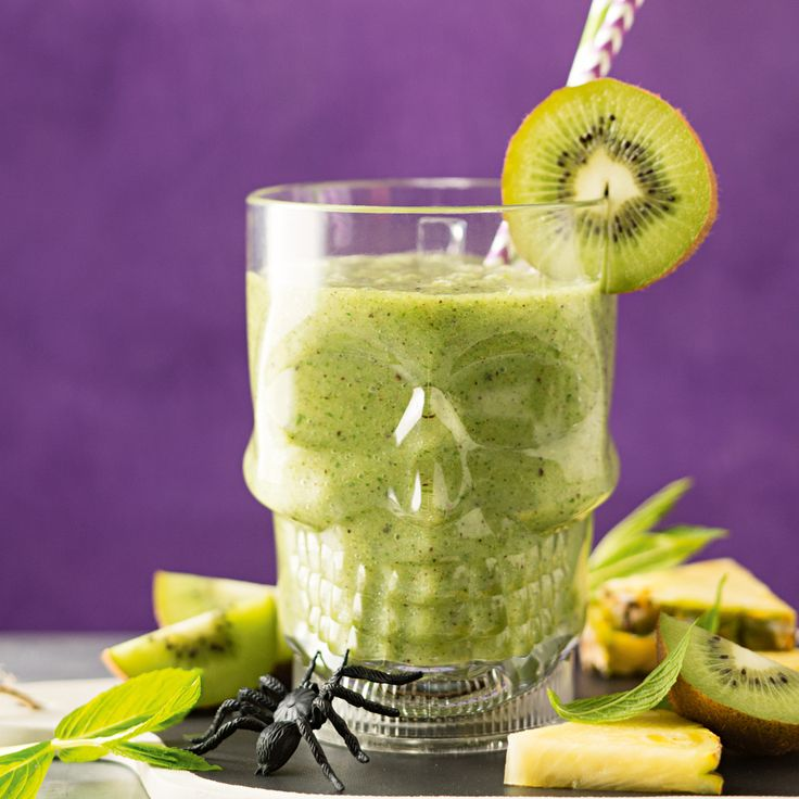 How to make Slimy Swamp Smoothie. Find more great Halloween Party Food ideas!