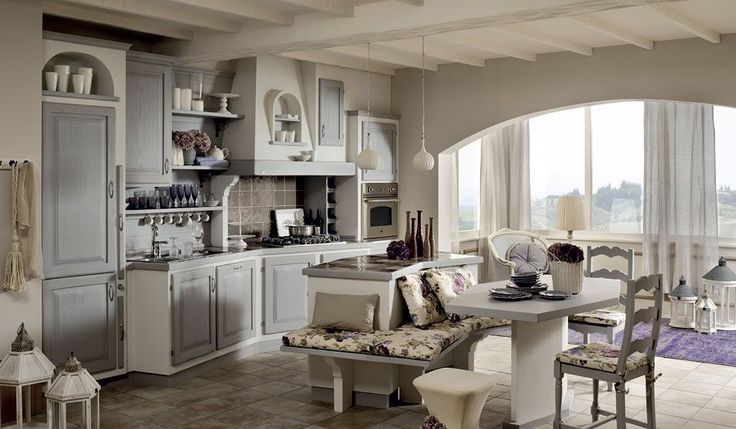 La cucina è il cuore pulsante di ogni abitazione. Che sia classica o moderna, in muratura o a cassettoni è l'ambiente più vissuto della casa. Custode dei nostri segreti e il tempio in cui nutriamo corpo e anima. La cucina non può prescindere dalla funzionalità e dalla praticità oltre che, naturalmente dall'estetica. La cucina si è ritagliata un ruolo scenografico, è divenuta uno strumento per reinventare gli spazi e per plasmarli sulla base della propria personalità.