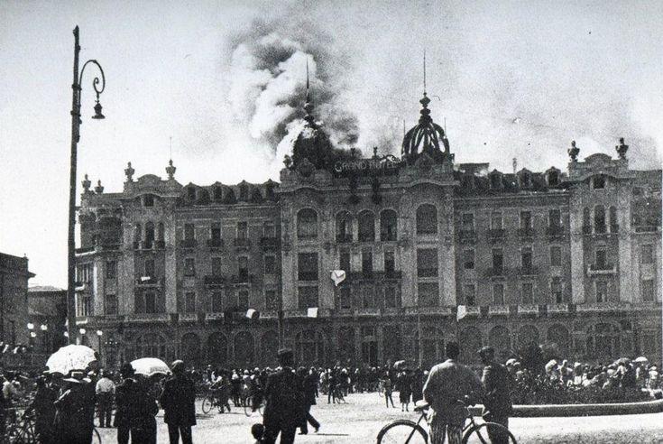 L'incendio al Grand Hotel - Il 14 luglio 1920 presero fuoco le due cupole. L'incendio destò l'atto coraggioso e di grande altruismo di Anacleto Ricci, giovane cugino di Nonno Guido, che morì in seguito alle ferite riportate