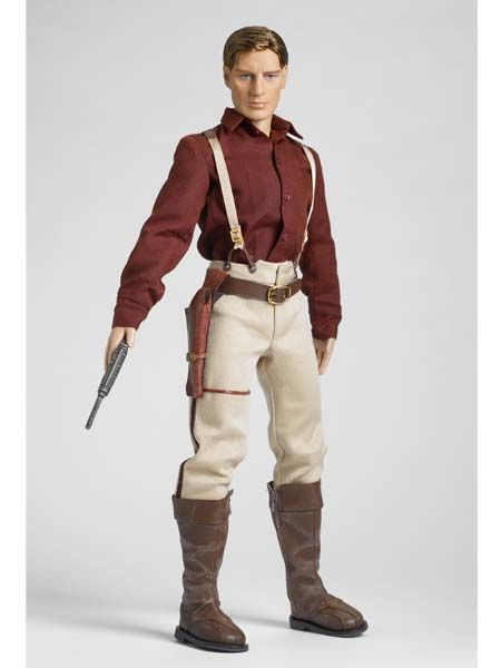 CAPTAIN MALCOLM REYNOLDS  -  Based on Joss Whedon's cult-phenomenon television show, Firefly, Robert Tonner brings FIREFLY to life with his Tonner Character Figure™ Collection. Z