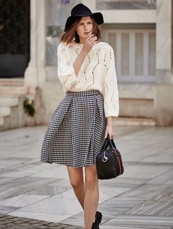 Chic! #streetstyle #fashion #fullahsugah #bag #midiskirt #sweater #chic
