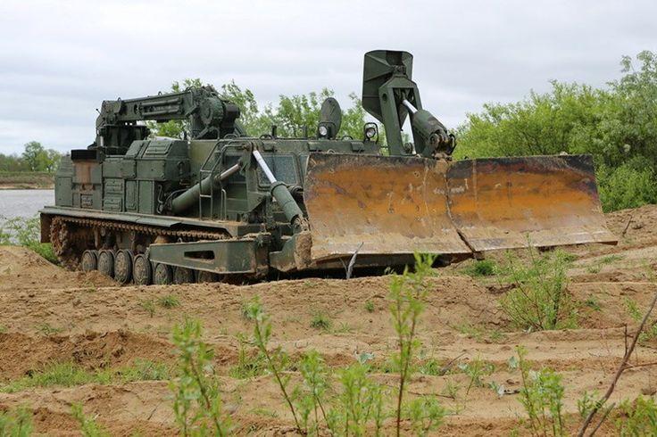Suc manh �Sghe gom� cua xe cong binh BAT-2 Nga