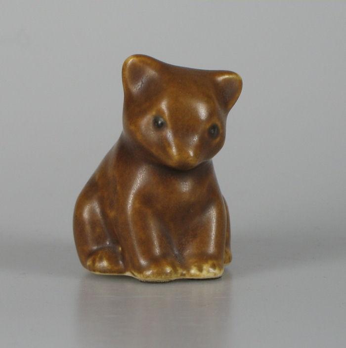Knud Basse Palshus bear figurine...