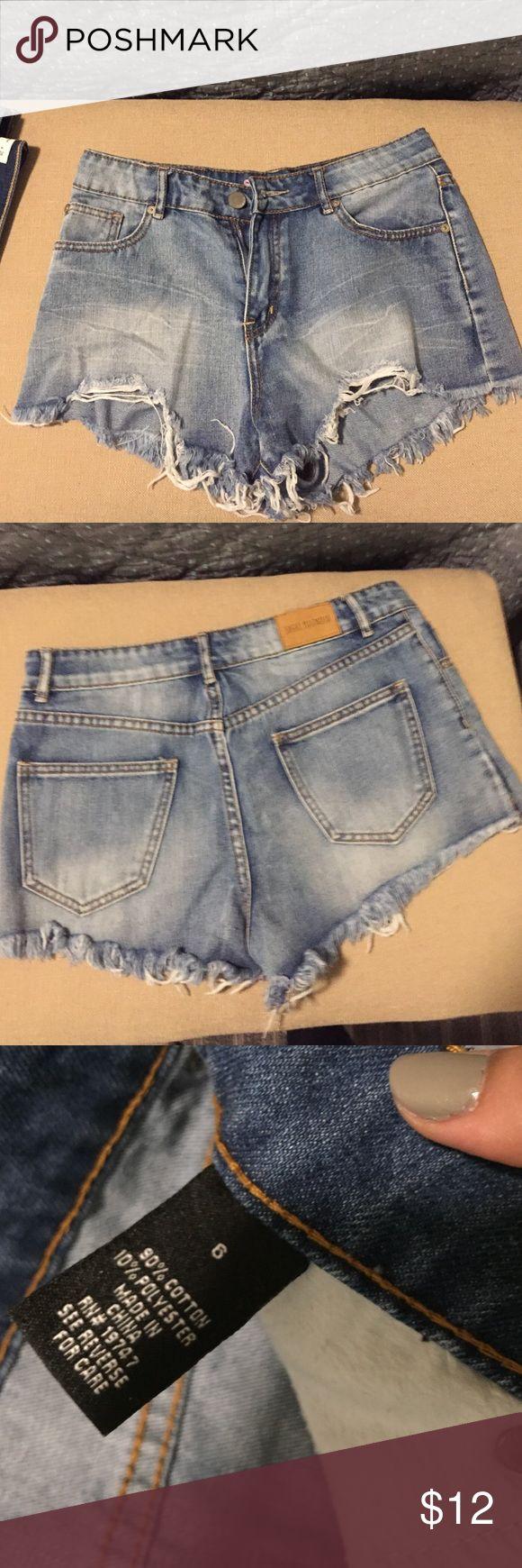 Mid ride cutoff Jean shorts Great condition size 6 Shorts Jean Shorts