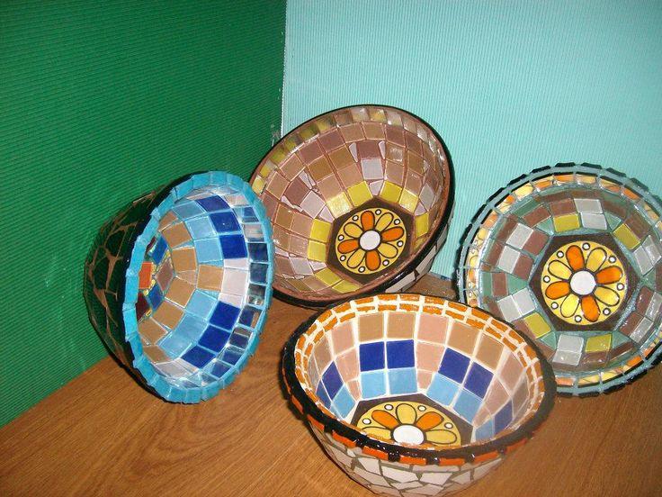 centros de mesas recubiertos con espejos, venesitas y ceramico autor claudia lara