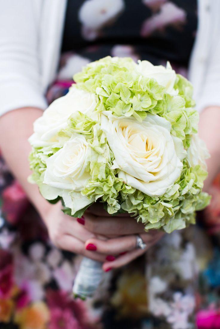 #Hochzeitsbouquet #Brautstrauss #Weiß #Grün #Creme #Rose #Hochzeitsplaner #Hochzeit …   – Wedding Bouquets ♥ Brautsträuße