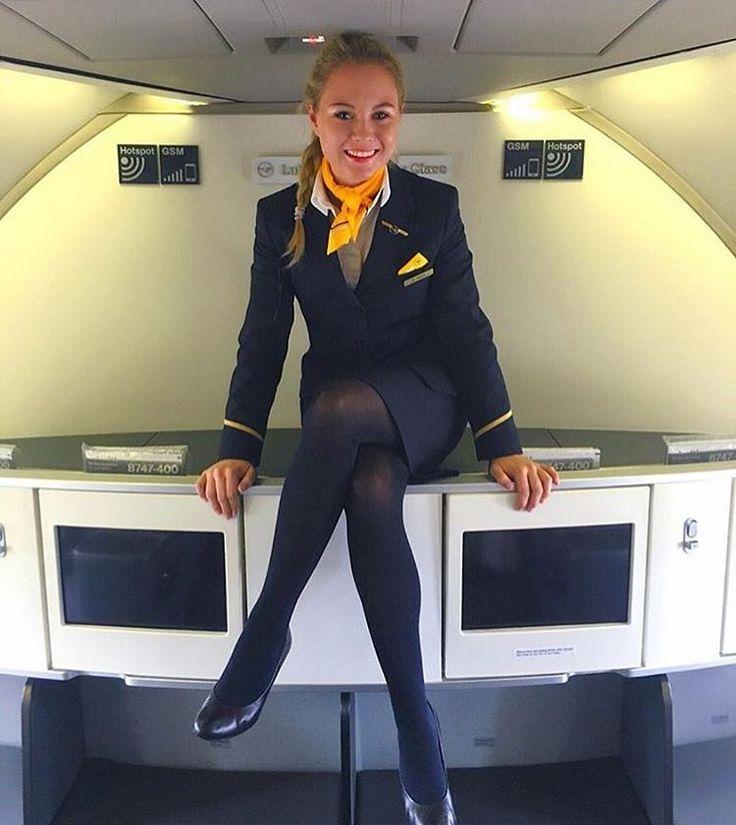 Трахает стюардесс Очень