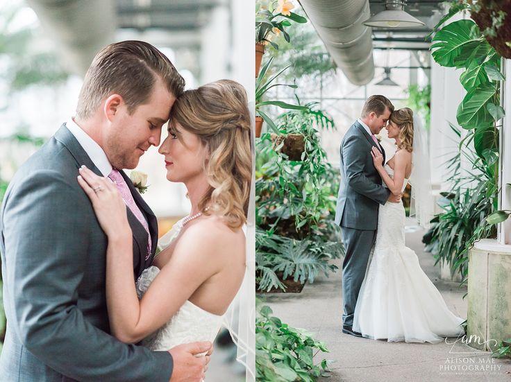 Indianapolis Wedding Photographer | White River Gardens | Indianapolis Wedding Venues | Indianapolis Zoo