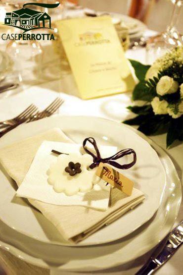 Segnaposto matrimonio in pasta di zucchero a forma di fiore