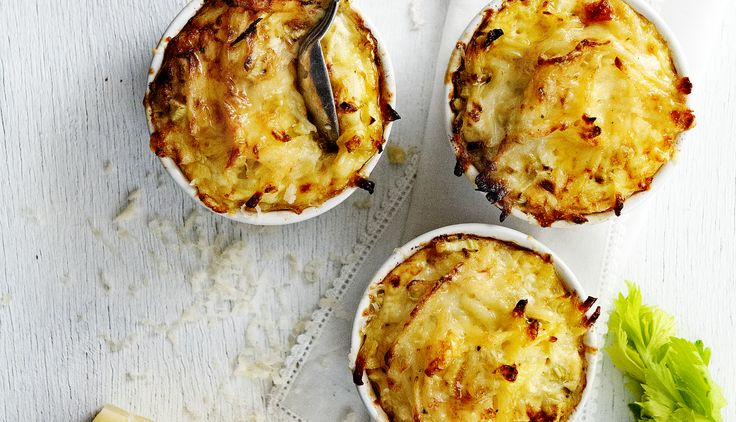 We bestaan tien jaar, daarom hebben we een nieuw kookboek met 212 recepten! In ons nieuwe nummer delen we een recept voor aardappelgratins.